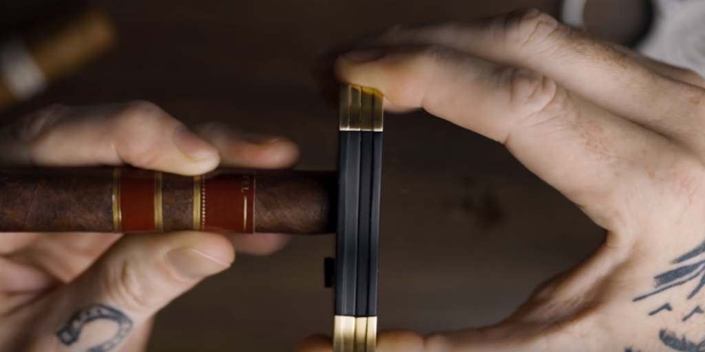 How To Cut a Cigar For Beginners